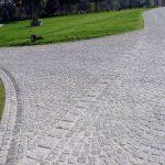Pavimento-esterno in-granito-grigio-chiaro-Grey Fine