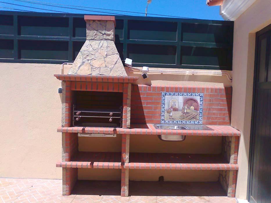 barbecue-in-muratura-con-piano-lavoro-art.AC 85